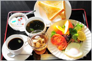 愛情たっぷりの朝食