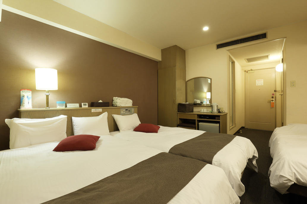 Business City View Triple Room