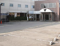 ホテル前平面駐車場<無料>
