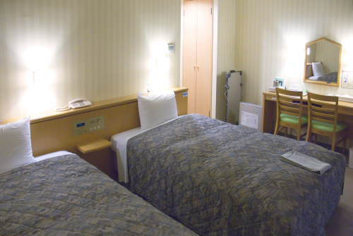 MAIN BUILDING STANDARD  TWIN ROOM Room Size 16 to 20 sqm