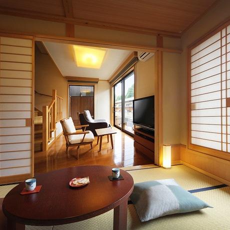 風or水の音・和室6帖+リビング+ツインベッドルーム/2階部に露天風呂