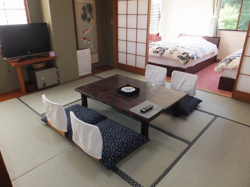 East Wing ROH Semi Western-Style Room