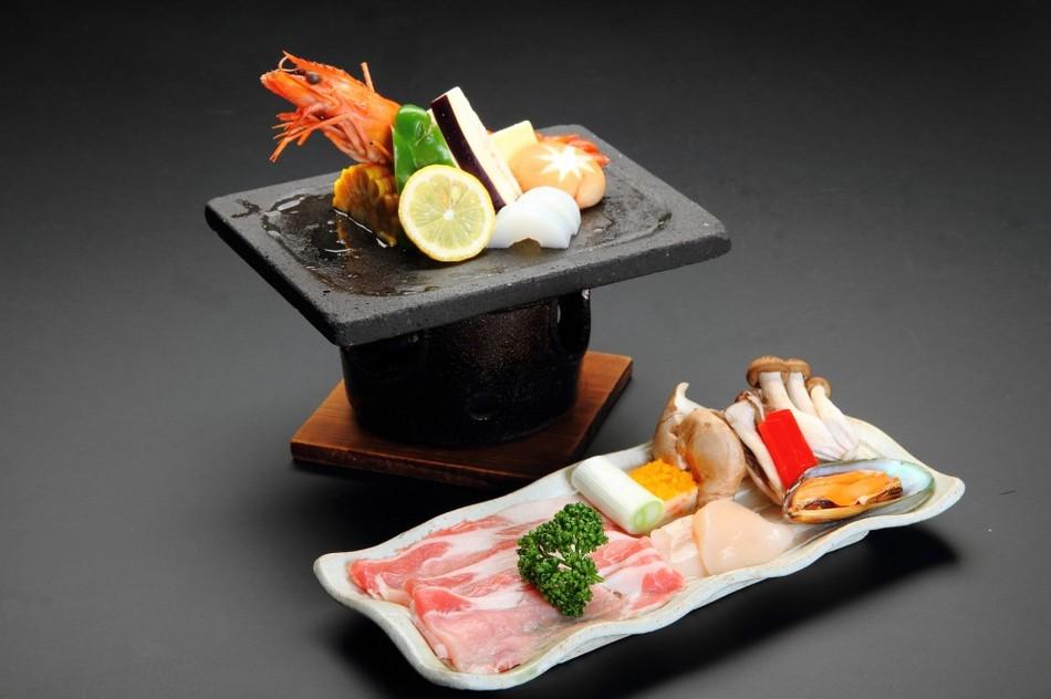 Japanese course dinner + Houtou Hotpot plan