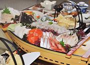 【夕朝食2食付】どどーん!舟盛り★二の膳付<西積丹>季節の魚貝を満喫♪盃(さかずき)膳プラン