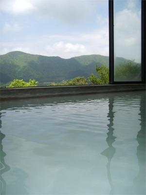 にごり湯と箱根外輪山