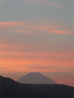 客室からの眺望・富士山(夏の夕暮れ)