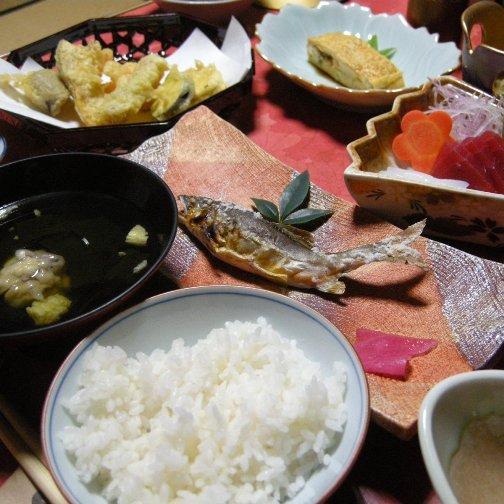 【地産の食材を使った手作りのご夕食】