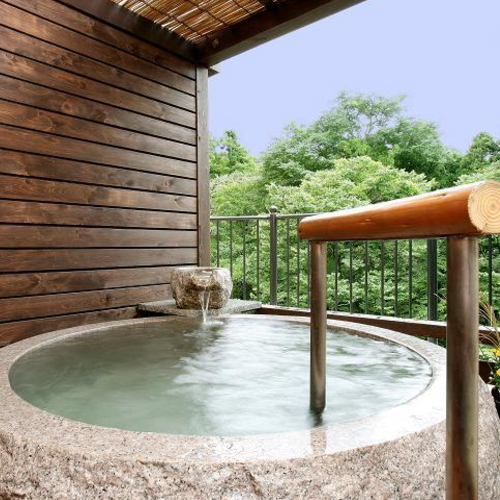 ... 露天風呂付き客室も温泉の宿