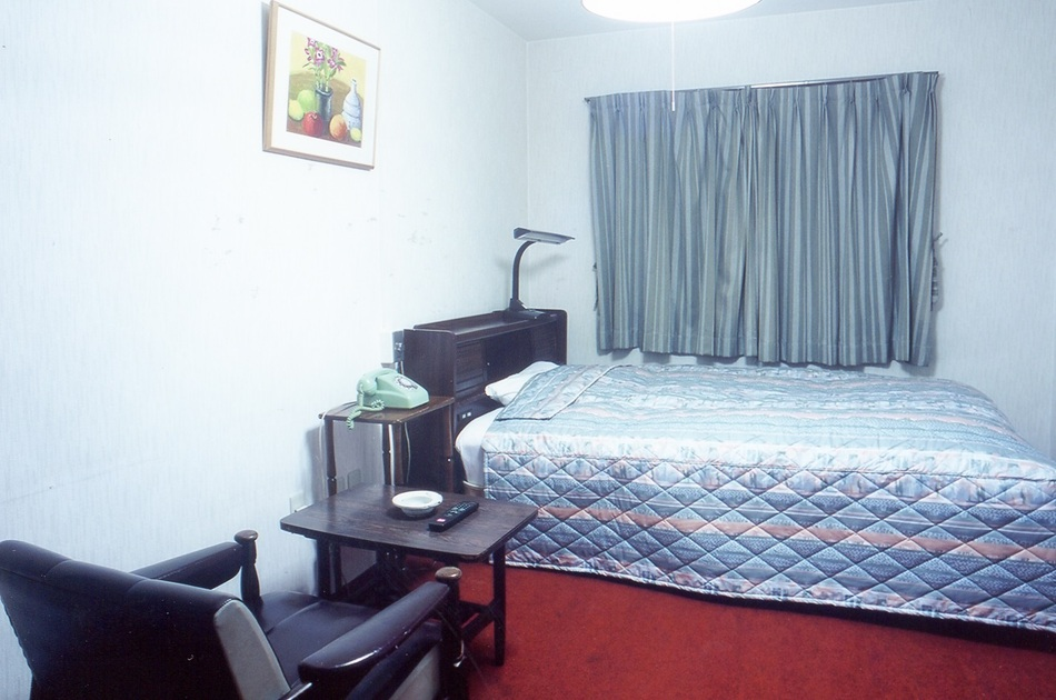 MAIN BUILDING STANDARD ROH SEMI DOUBLE ROOM FOR SOLE USE