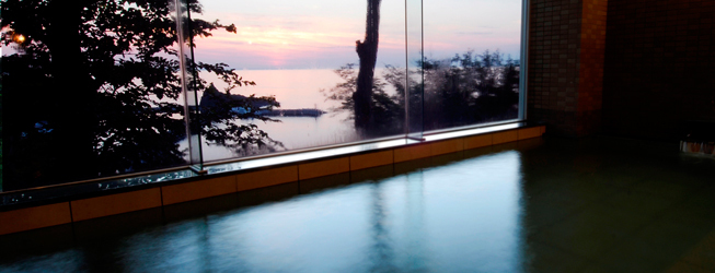 夕陽のあたる家 大浴場