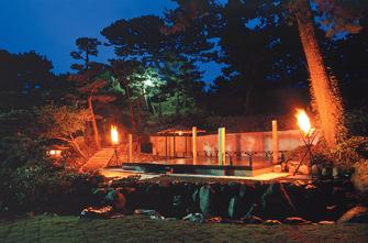 石舞台『浮島』