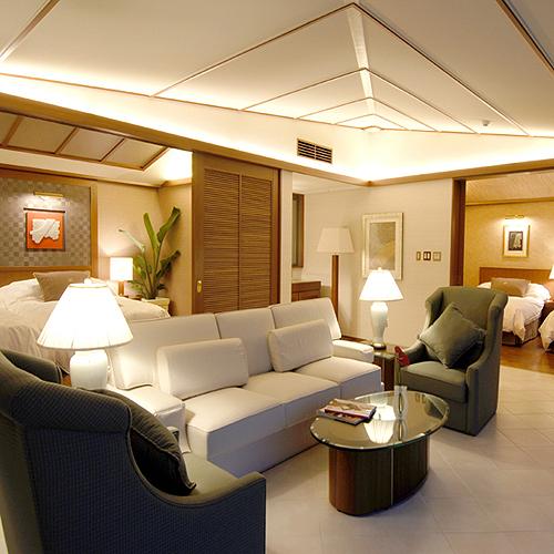 SUITE Quad Room 96 to 100 Sq M