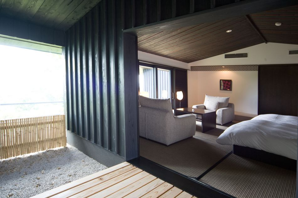 MODERN Ocean View Twin Room