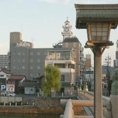 3大橋越しのホテル