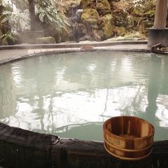 酸性泉の効能と主な温泉地