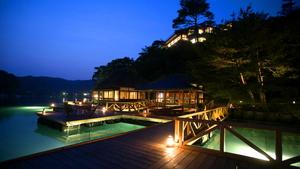 日本百景に囲まれた洞窟風呂の宿 百楽荘 能登九十九湾