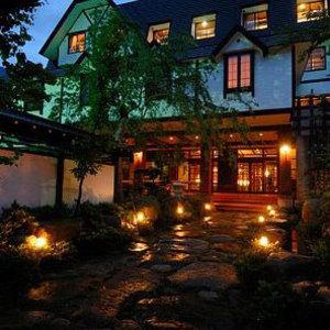 名峰槍ヶ岳を望む宿 穂高荘山のホテル