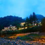 夏に栃木県の川治温泉に男一人旅でゆっくり温泉を楽しめるところ探してます。