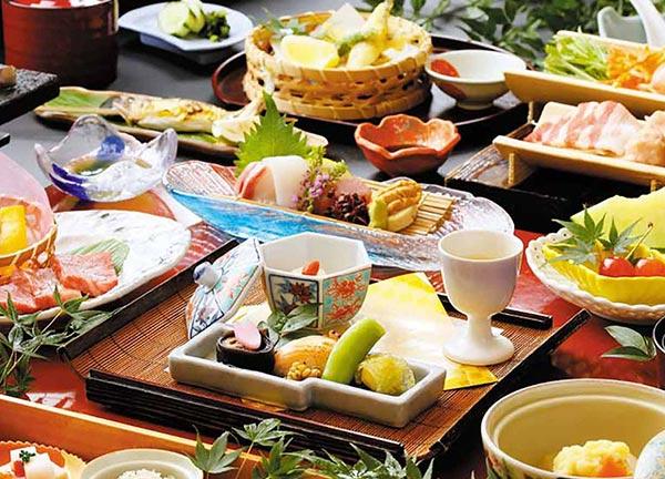 【西日本】旬の食材が美味しい温泉宿。旅行作家おすすめ5選