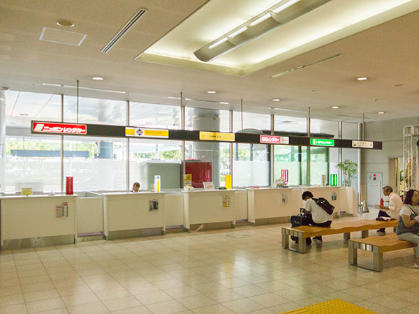 トヨタレンタカー広島空港店