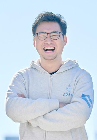 岡野周平 氏