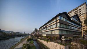 京都三条鸭川索拉利亚西铁尊贵酒店