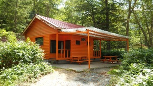 ソロキャンプにおすすめのキャンプ場・グランピング施設は?