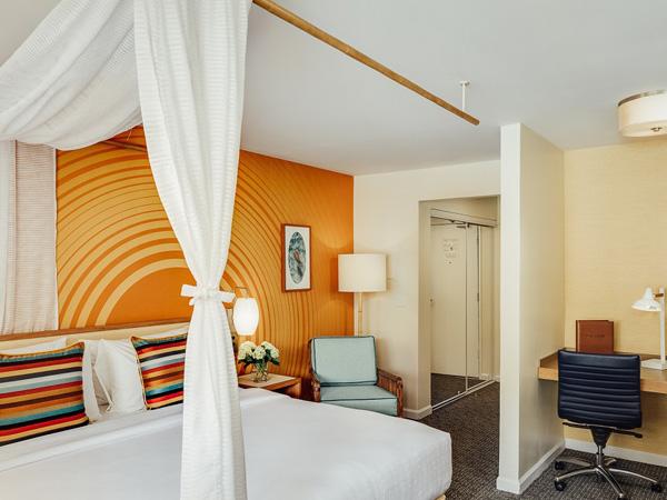 ワイルド パーム ホテル