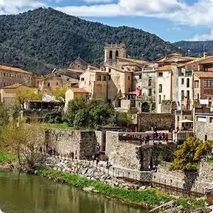 カタルーニャ地方 中世4つの村巡り 1日観光ツアー<少人数制>