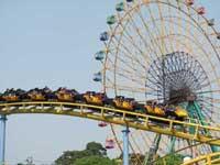 伊勢崎市華蔵寺公園遊園地・写真
