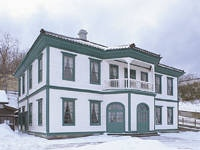 旧檜山爾志郡役所(江差町郷土資料館)