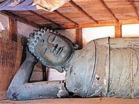 銅造 釈迦涅槃像・写真
