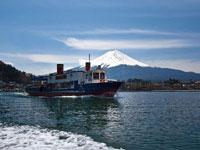 河口湖遊覧船「アンソレイユ号」・写真