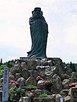 日本一の立達磨と達磨堂