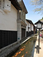 瀬戸川と白壁土蔵街・写真