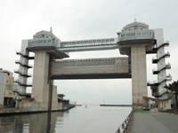 沼津港大型展望水門びゅうお・写真