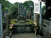格さん(安積澹泊)の墓・写真