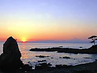 秋谷の立石・写真