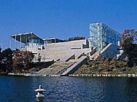 岡崎市美術博物館・写真