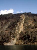 觜崎の屏風岩・写真