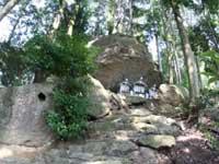 不動山の巨石