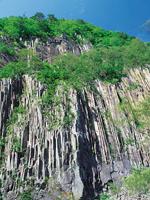 材木岩・写真