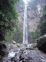 東椎屋の滝・写真