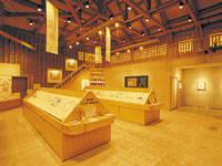 黒崎義介 昭和の絵本美術館・写真