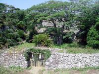 世之主の墓