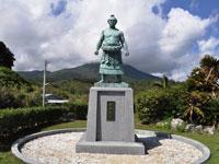 第46代横綱朝潮太郎記念像・写真
