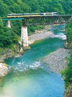 会津鉄道 お座トロ展望列車・写真