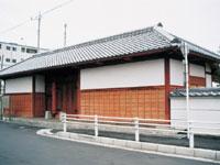 郁文館の正門・写真