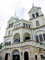 カトリック松が峰教会・写真