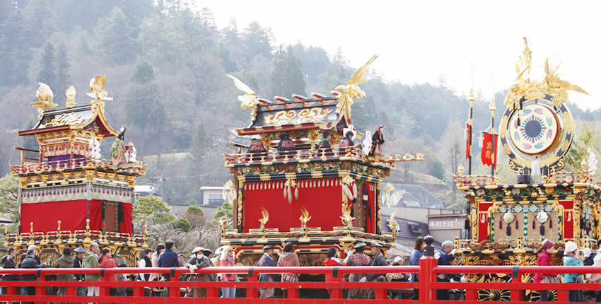 春天的高山祭(高山市)